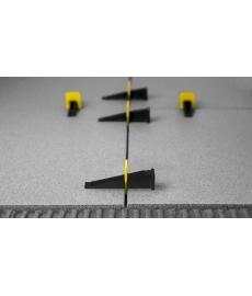 Levelize musta muovikiila ( 100kpl )